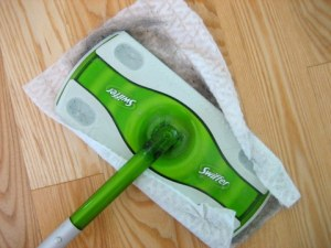 dust_swiffer_house_cleaning_checklist