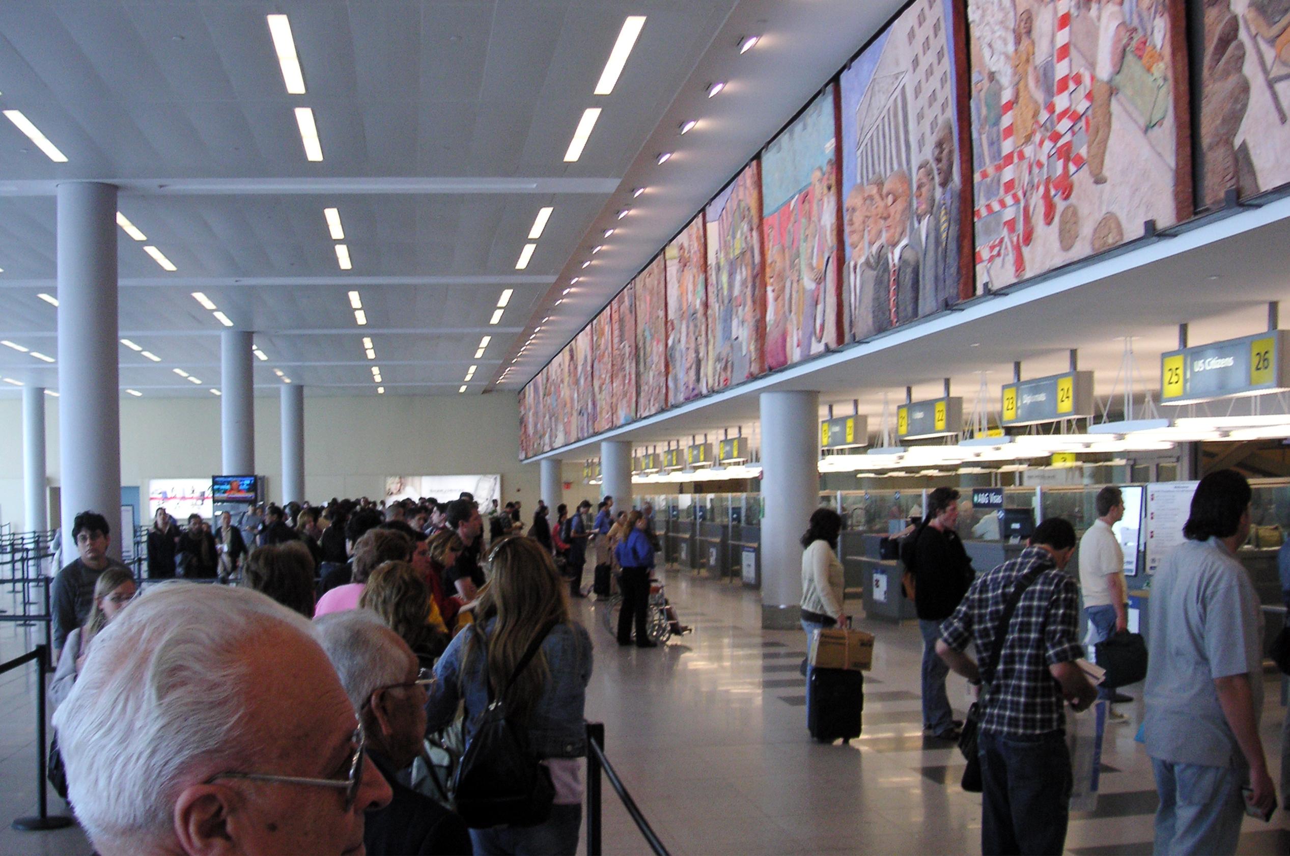 Aeroporto Jfk : O dia em que eu fui parar na salinha da imigração do jfk viajante